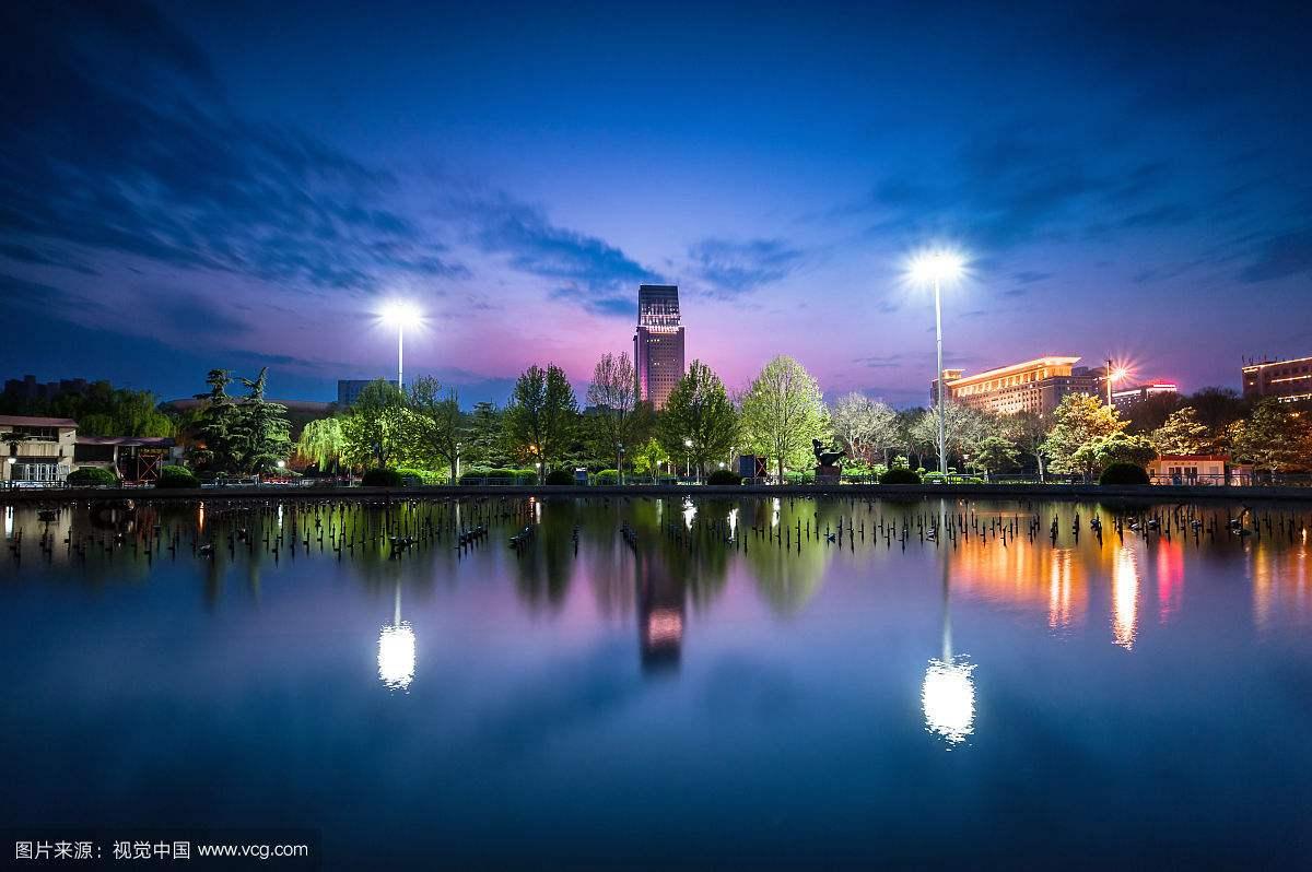 泛光照明与周围环境之间要注意什么?